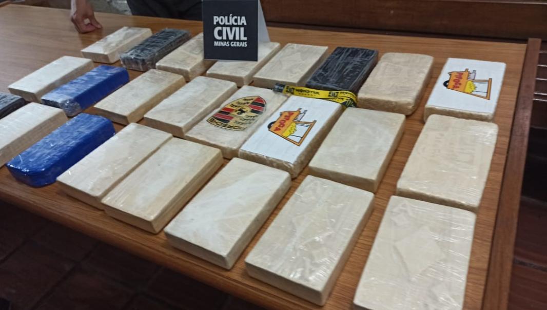 Tráfico de drogas: Polícia Civil apreende 25 kg de cocaína em Muriaé