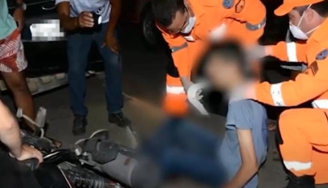 Muriaé: homem fica ferido depois de bater moto em carro estacionado