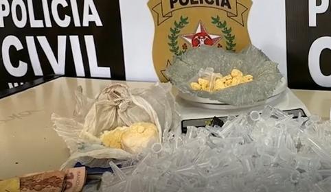 Mulher é presa suspeita de traficar drogas em Juiz de Fora
