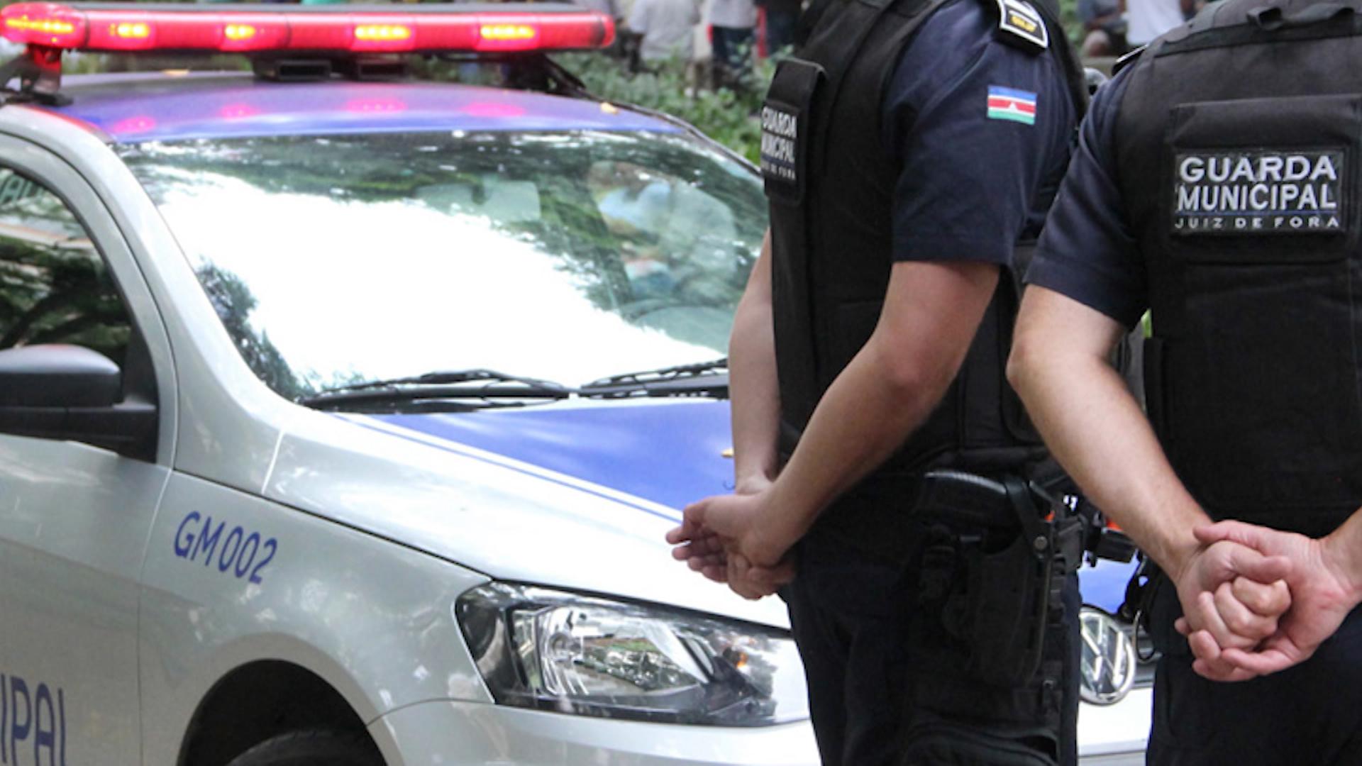 Importunação sexual: Idoso é preso após assediar e agredir mulher