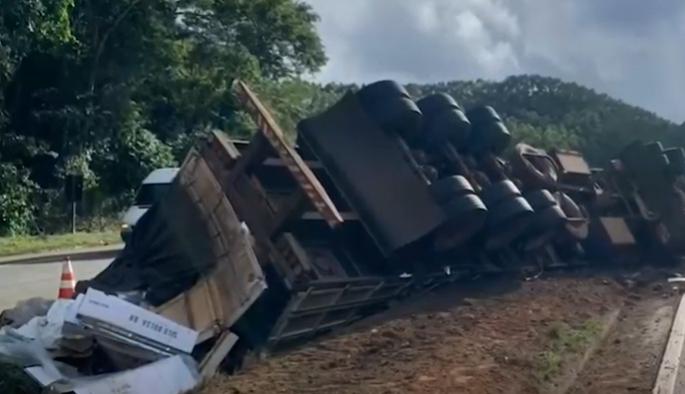 Santos Dumont: motorista morre em acidente na BR-040