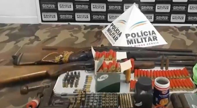 Juiz de Fora: PM apreende armas e procura por suspeitos