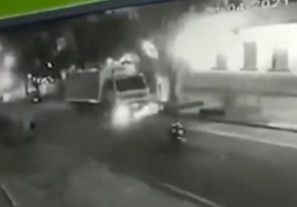 Na voadora: homem tenta furtar moto em Poços de Caldas
