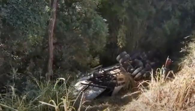 """""""Nem todo herói usa capa"""": andarilho e caminhoneiro salvam vida de motorista"""