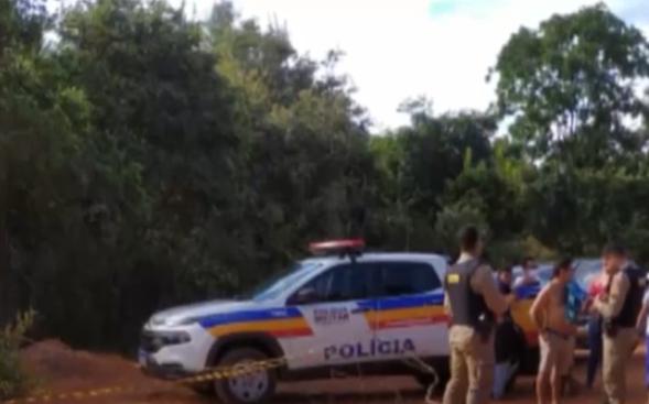 Homem é encontrado enforcado após matar enteada e atirar em esposa