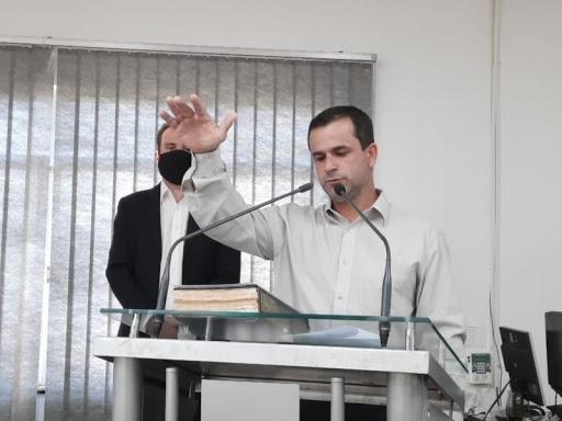R+: Celso Marques Júnior é o novo prefeito de Juruaia